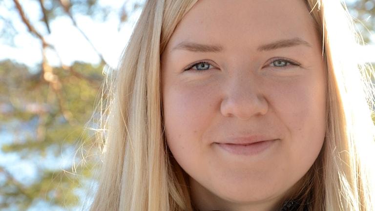 Närbild på 16-åriga Johanna Grip.