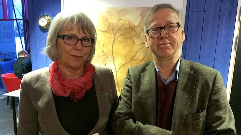 Karin Wåhlén-Götzmann från Folkhälsocentrum och filmaren Staffan Hildebrand