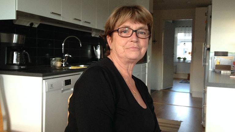 Reidun Sjövold fick nobben när hon skulle köpa ett säsongskort för ÖFK:s hemmamatcher åt sin rullstolburne son. Några sådana säsongskort sålde inte klubben fick hon till svar. Foto: Peter Söderlund/Sveriges Radio.