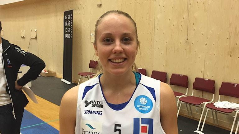 Olivia Lindgren efter segern mot Solna. Foto: Fredrik Sjölund/SR
