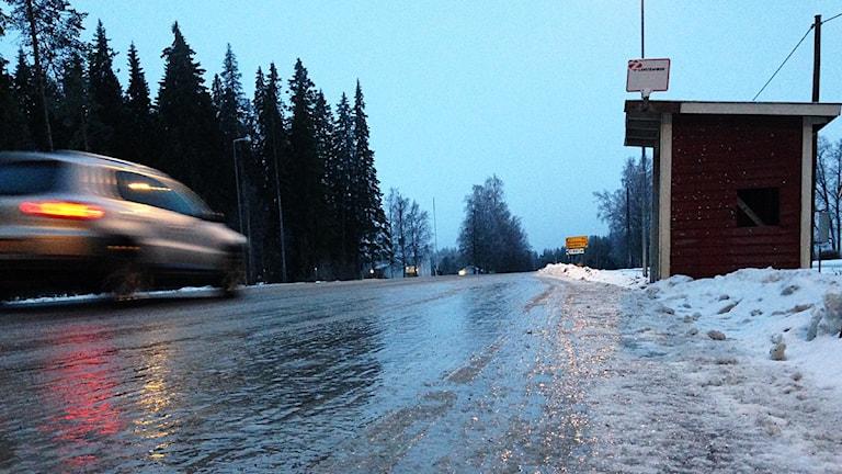 Halka vid busshållplats. Foto: Johanna Svensson/Sveriges Radio.