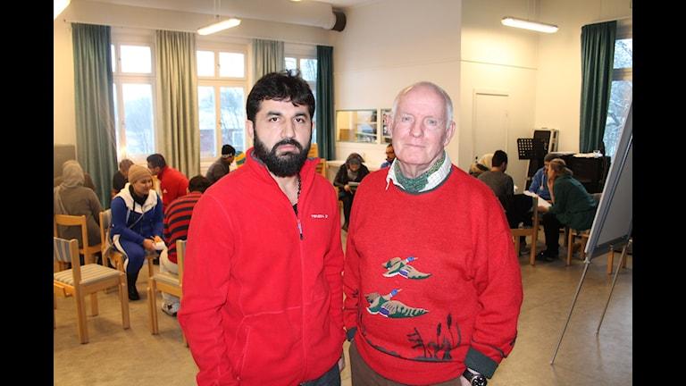 Elias Hamidi asylsökande från Afganstan nu boende i Åre och Per Holmlöv, pedagog från Järpen.