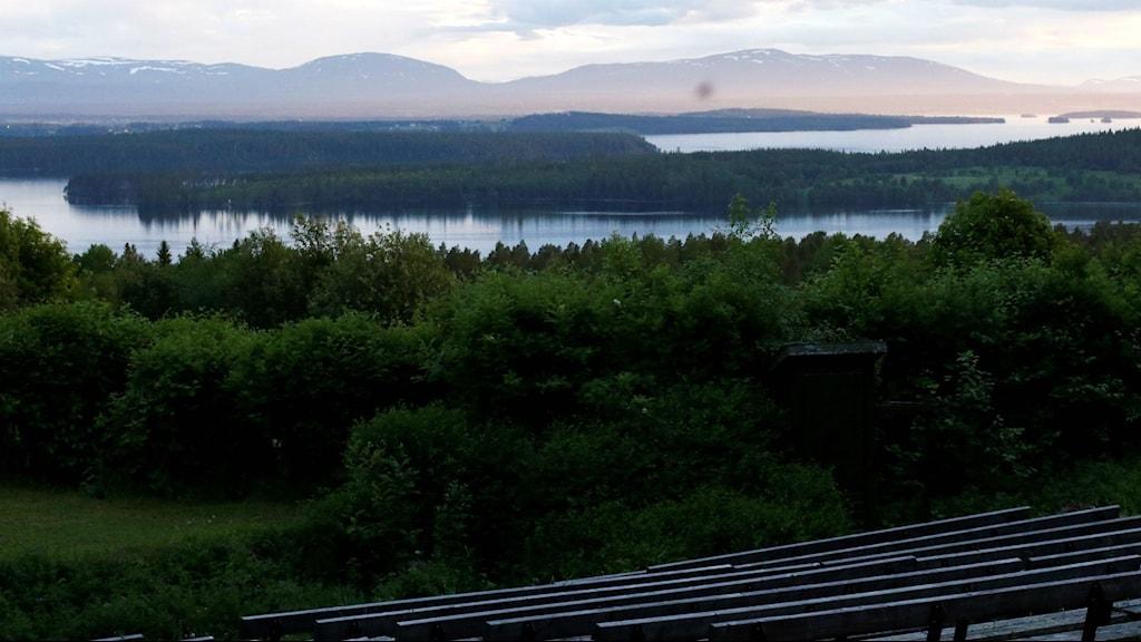 Utsikt från läktarplats på Arnljotlägdan