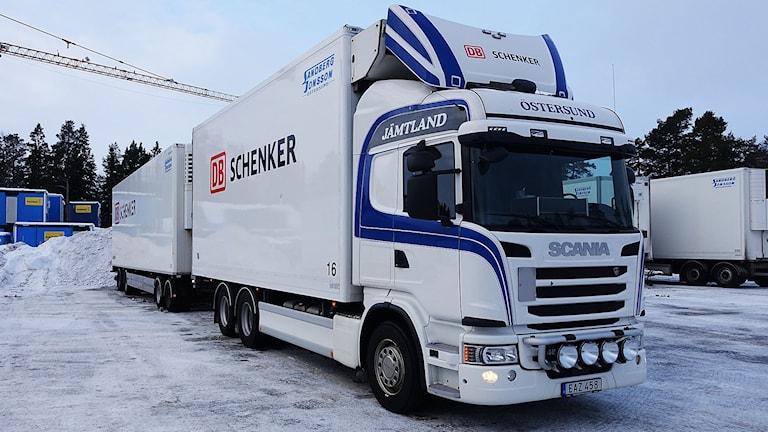 En av åkeriet Sandberg & Jonssons lastbilar.