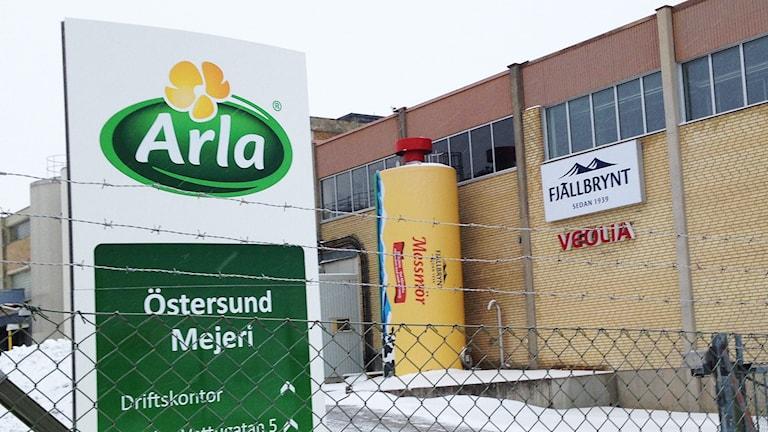 Utanför Arlas mejeri i Östersund