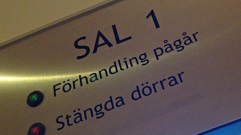 Östersunds tingsrätt - skylt tingssal 1