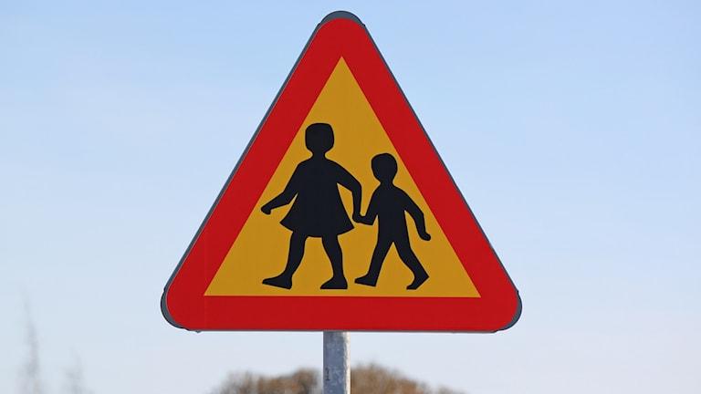 Vägmärke varningsmärke barn