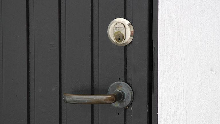 Dörrhandtag och dörrlås