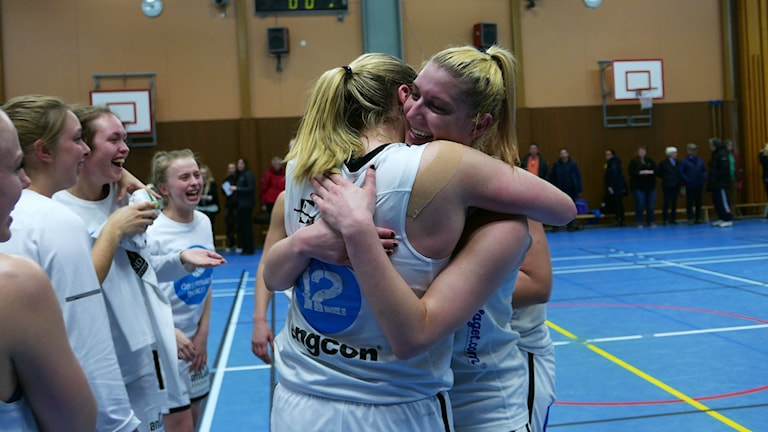 Moa Lundqvist kramar om amerikanskan Elizabeth Donohoe