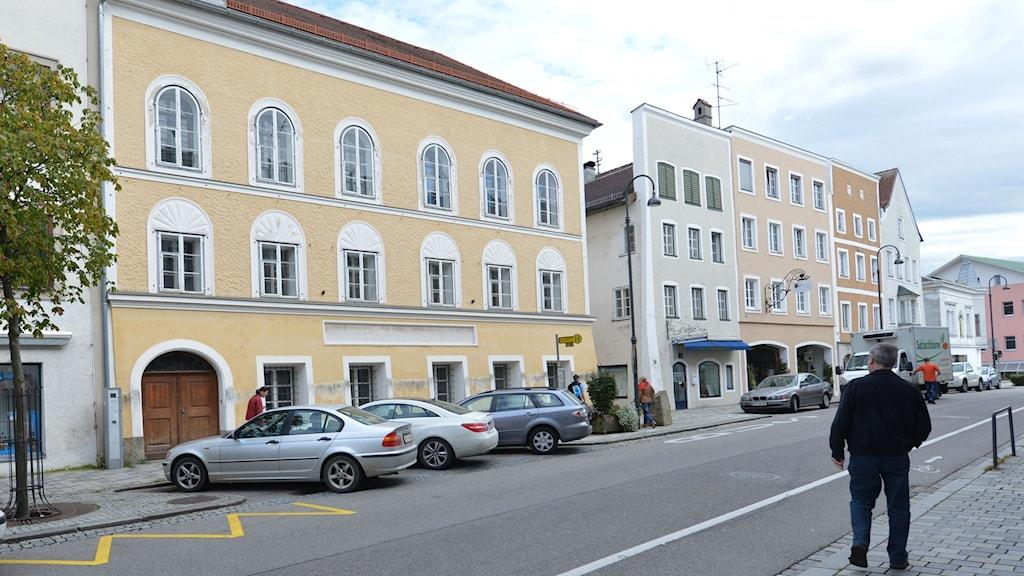 Huset i Braunau am Inn där Hitler föddes och som har ställt till bryderier för de österrikiska myndigheterna. Foto: Kerstin Joensson/AP Photo