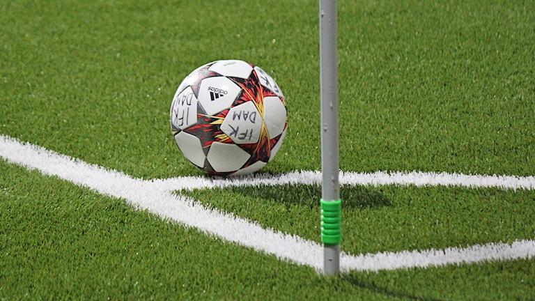 Fotboll vid hörnflagga