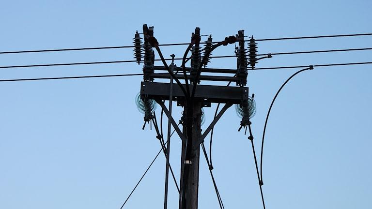 Kraftledningar - ledningsstolpe