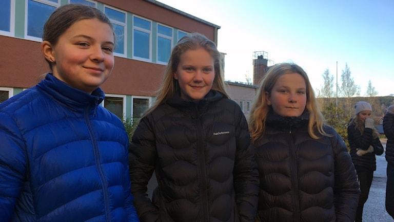 Elise-Jonsson-Elise-Edberg-Wilma-Persson, sjätteklassare på Treälvsskolan