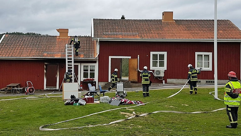 Brand i personalutrymme i byggnad vid Revsunds kyrka. 170905. Foto: