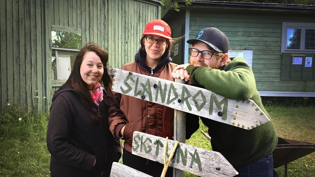 Mikaela Pålsson, Amanda Nygren och Håkan Borgsten från årets uppsättning av Arnljotspelen.