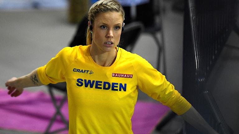 GLASGOW 20190303 Erika Kinsey värmer upp inför höjdhoppsfinalen under Friidrotts-EM 2019. Foto: Erik Simander / TT