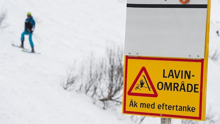 ÅRE  2016-03-30 Skylt som varnar för lavinområde Foto: Erik Nylander / TT / kod 11540