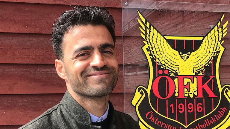 Bild på Amir Azrafshan som är Östersunds fotbollsklubbs nya tränare.