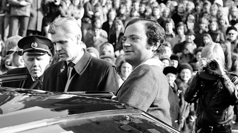 Nyblivne kungen Carl XVI Gustaf vid Östersunds rådhus.