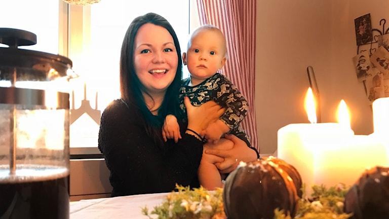 Malin Sandkvist i Klösta arrangerar Luciafirande i Lit till förmån för Ung Cancer.