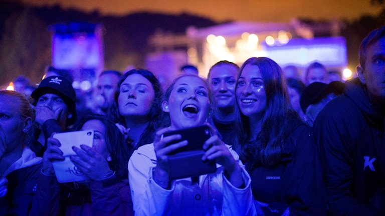 Entusiastisk publik på musikfestival