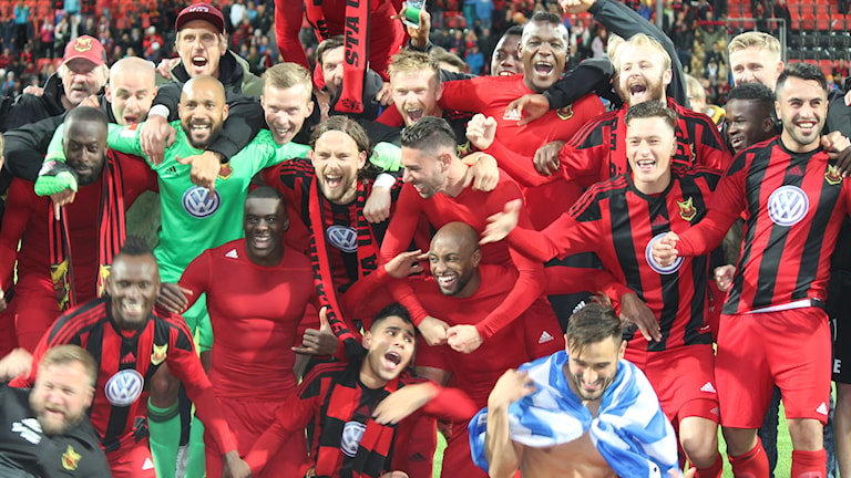 ÖFK firar segern mot PAOK och avancemanget till Europa League.