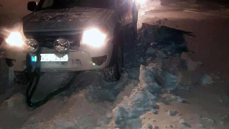 Bil i snön