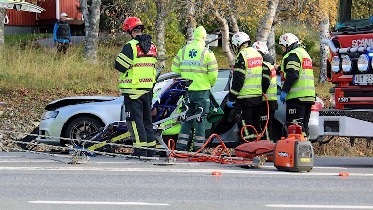 En av två bilar, inblandade i en krock i Grytan, E14, 171008. Foto: Johnny Sundin.