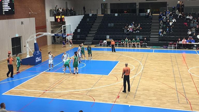 Östersund basket i matchen mot EOS.