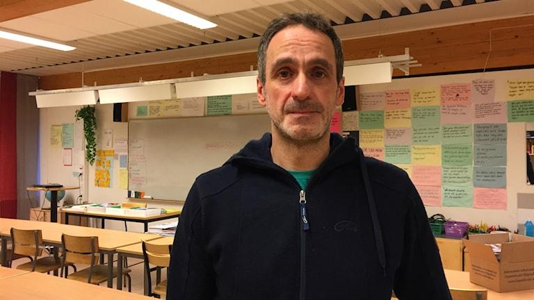 Sylvain Gumula tycker att Östersunds kommun borde vara öppen med hur bedömningen av vem som får ta del av lärarlönelyftet gått till.