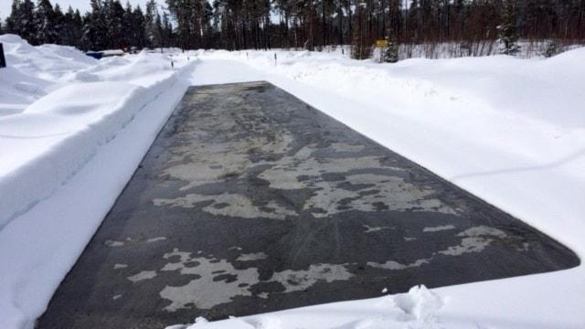 Trafikverket har tillsammans med Norge, Findland, chalmers och Jämtlands gymnasium ett projekt i Östersund som handlar om att bekämpa halka med bergvärme