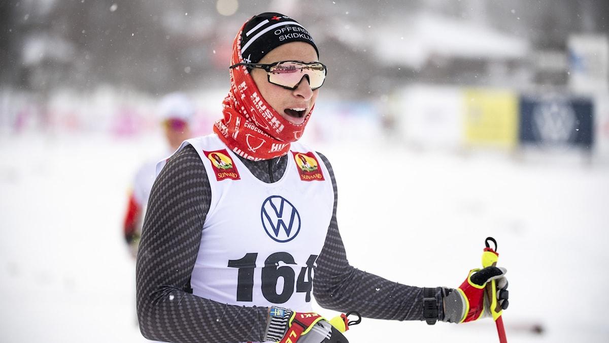 BRUKSVALLARNA 20201120  Max Novak från Falun Borlänge SK vinner herrarnas 15km, under herrarnas 15 km klassiskk åkning vid fredagens skidtävlingar i Bruksvallarna. Foto Pontus Lundahl / TT