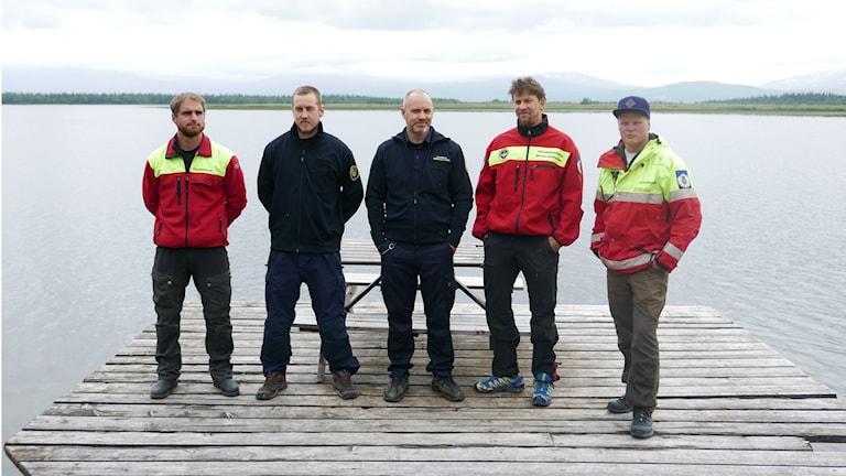 Killarna från fjällräddningen och räddningstjänsten som räddade livet på pojkarna vid den svåra kanotolyckan i Ånnsjön förra året. Från vänster: Mattias Bragsmo, Andreas Henriksson, Sebastian Landin, Marcus Stålhandske och Jens Göransson.