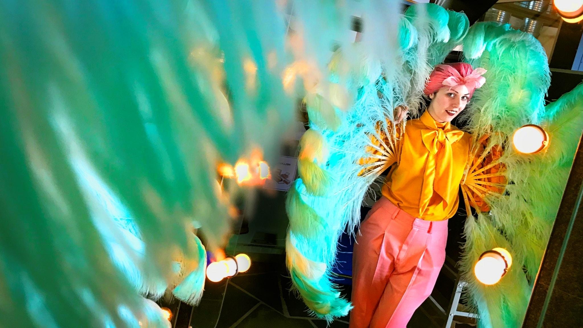 dd8c79355 Hennes burlesk-show är både normkritisk och feministisk - Skidskytte-VM  2019 - P4 Jämtland | Sveriges Radio