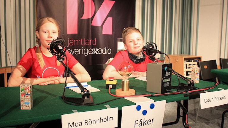 Moa Rönnholm och Laban Persson från Fåker skola