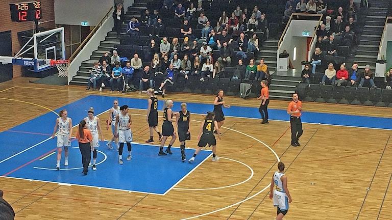 Östersund basket vann kvalmatchen mot AIK