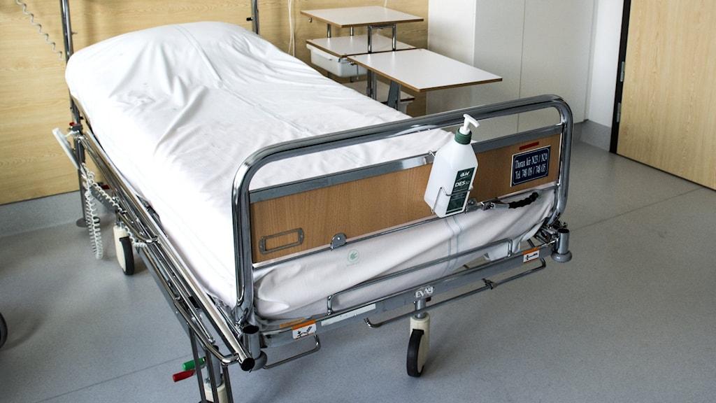 Tom sjukhussäng i sjuksal
