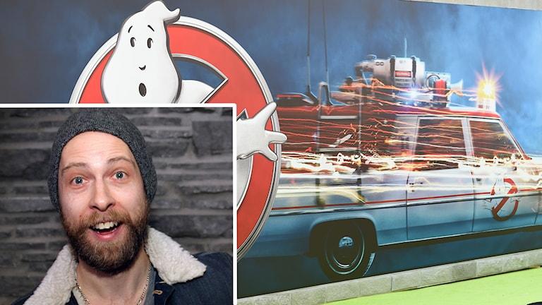 Montage porträtt av glad man och Ghostbustersbil