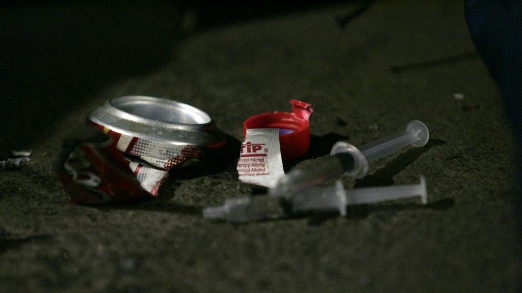 Att förebygga spridningen av blodburna infektioner som hepatit b och c och hiv till personer i länet som injicerar droger, är ett av huvudargumenten med att erbjuda rena sprutor till de som injicerar droger.