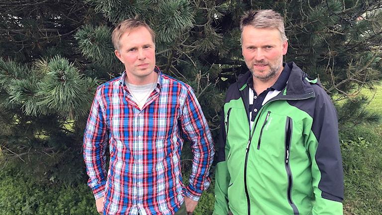 Markägarna vid Almåsaberget Gerhard Nilsson och Nils-Olof Bäckebjörk menar att naturreservatet gör det omöjligt att bo och verka i området.