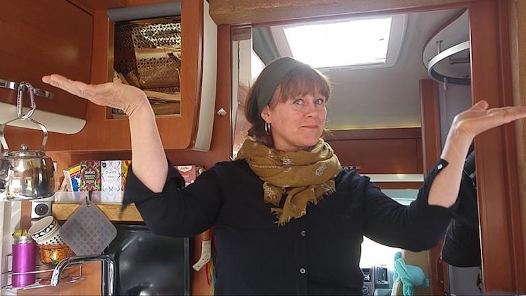 Malin Skinnar är konstnär som bor i en husbil.
