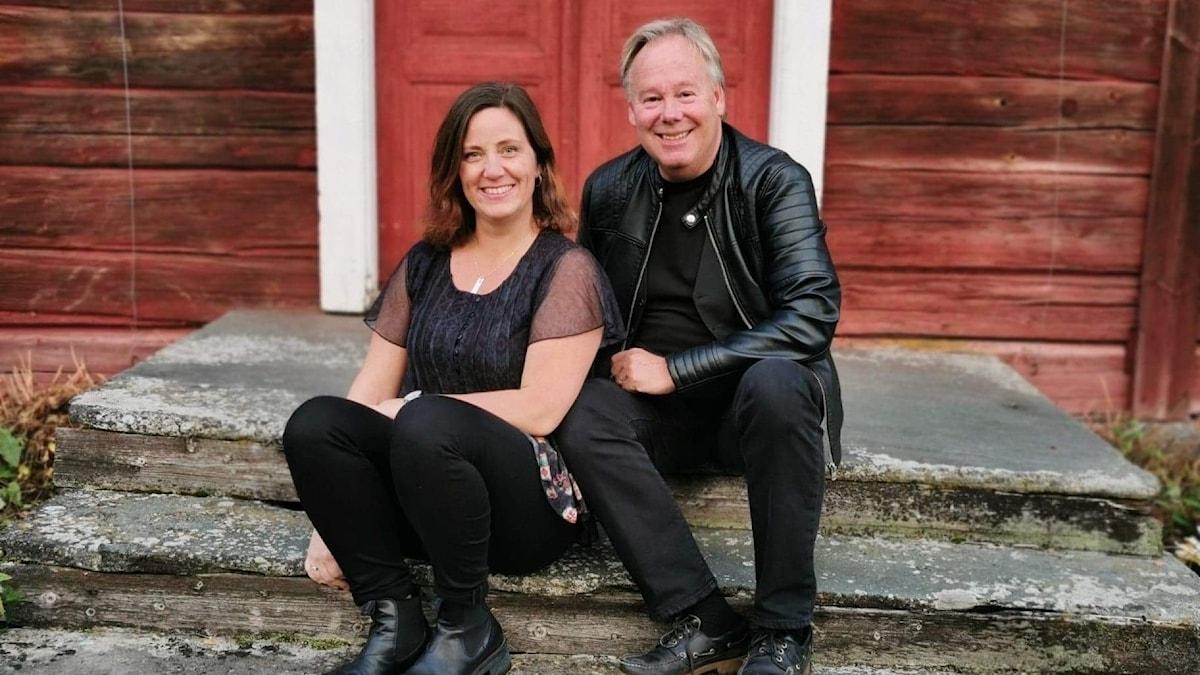 Artisterna Pär Lundhag och Hanna Hallberg