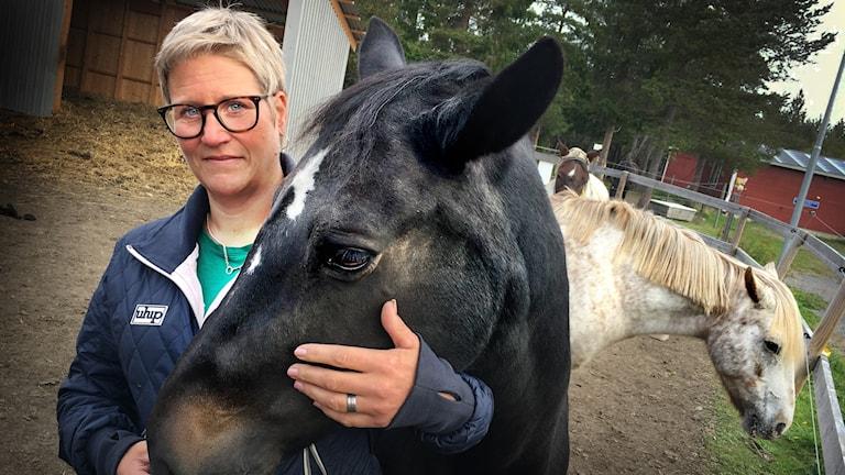 Theresa Burvall Nordin är ridskolechef på Ås Ridskola i Krokoms kommun.