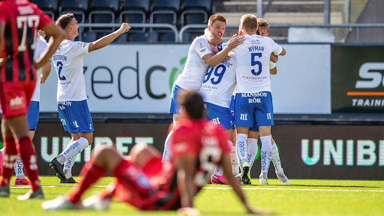 Norrköping firar efter att ha gjort mål.