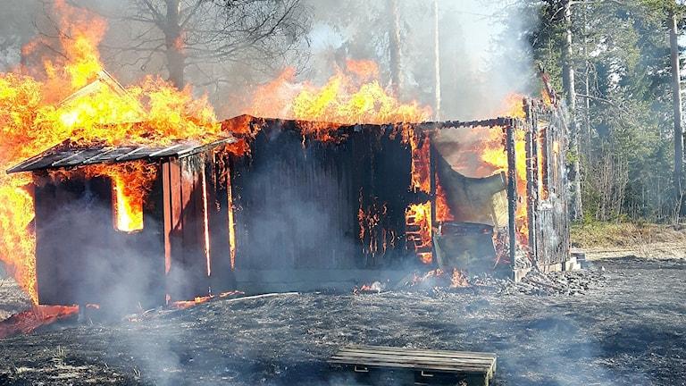 Brand i sommarstuga i Kakuåsen. 170506. Foto: Jämtlands Räddningstjänstförbund