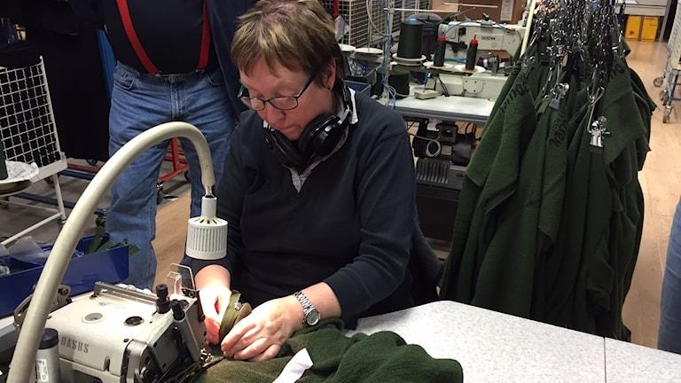 Martha Perssom har sytt kläder i 42 år och det lär bli ännu mer då frihandelsavtalet med Kanada träder i kraft.