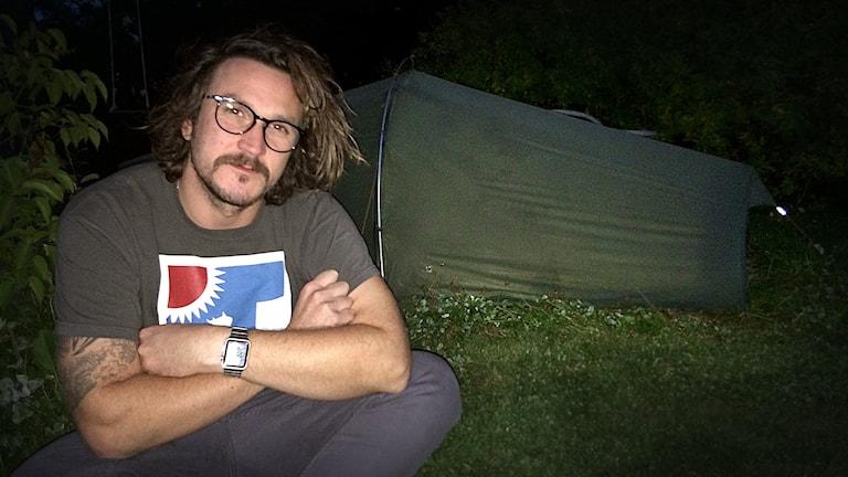 Staffan Berntsson i Brunflo fick en spontan i dé att sova 90 nätter i tält hemma i familjens trädgård.