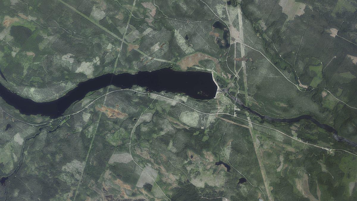 flygfoto över markområde