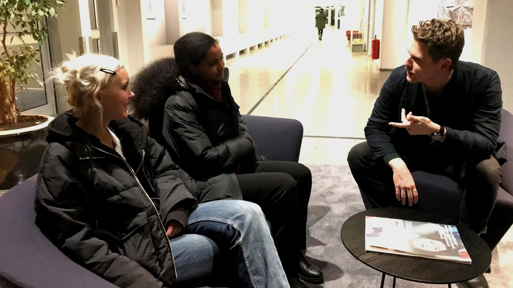 Unga filosofer tar sig an en klassisk fråga: Relationen mellan tro och vetande