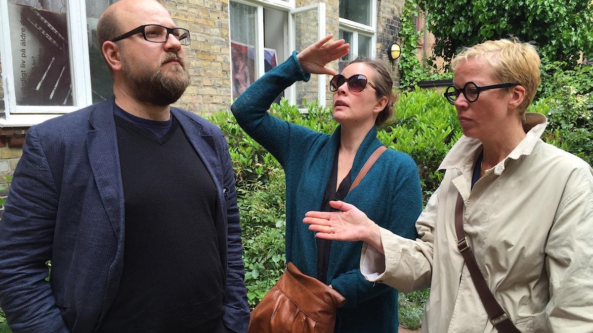 Läsare och posörer: Olof Åkerlund, Jenny Maria Nilsson och Katti Hoflin. Bild: Thomas Lunderquist